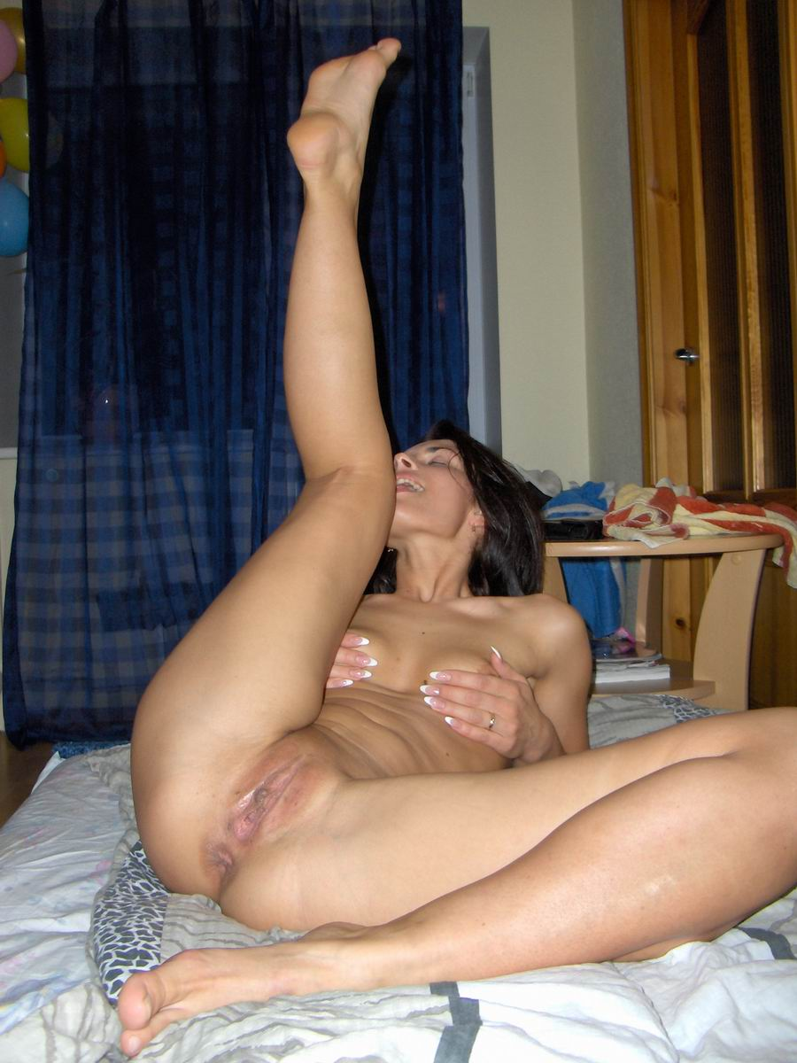 Фото голых любовниц домашнее 22 фотография