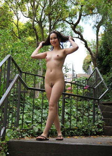 Asian Hot Bugil Out Door 2